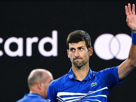 Open d'Australie: Djokovic rejoint Pouille en demi-finale après l'abandon de Nishikori