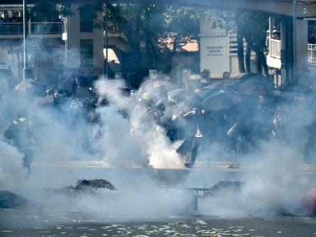 Hong Kong : un manifestant prodémocratie blessé par balle réelle