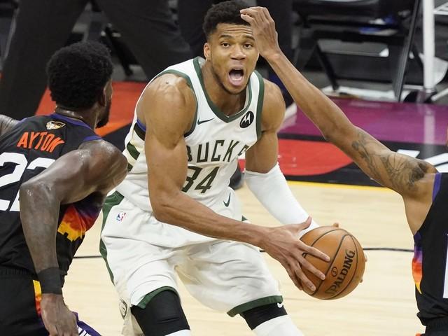 Finale NBA: Milwaukee s'impose à Phoenix et prend une option pour le titre