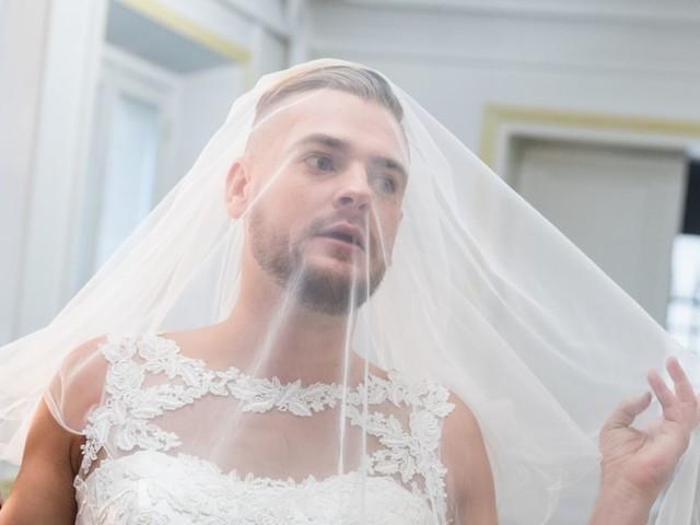 Jeremstar, marié à lui-même : Découvrez sa robe de mariée et les préparatifs !