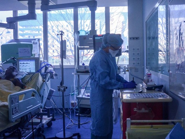 """Coronavirus: le solde en réanimation reste négatif, la situation en Guyane jugée """"préoccupante"""""""
