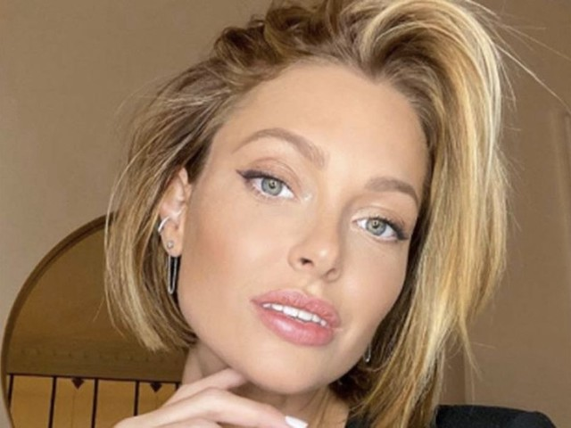 Cheveux : 3 coiffures piquées à Caroline Receveur