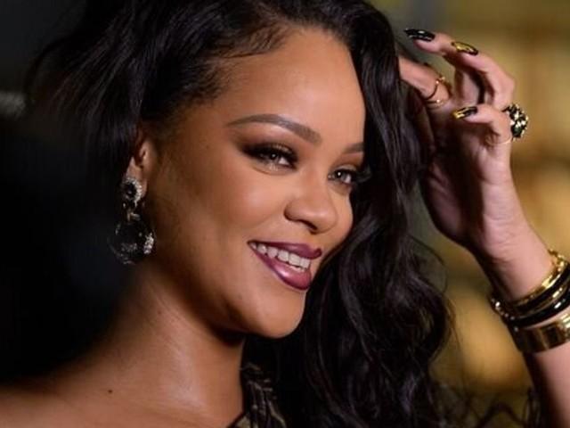 """Take a bow"" de Rihanna fait naître un mème viral 11 ans après sa sortie"