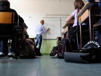 Quatre jours d'école ou quatre jours et demi? La (nouvelle) réforme des rythmes scolaires en 5 questions