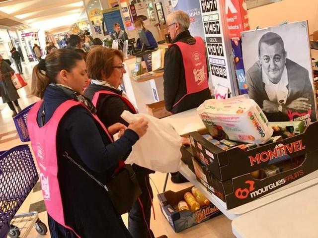 En Sarthe, la collecte des Restos du cœur entre crainte du coronavirus et difficultés économiques