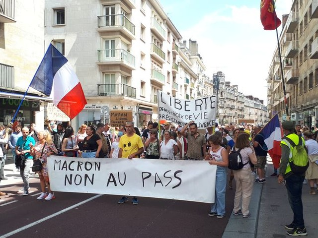 A Rouen, plus de 2 500 personnes mobilisées contre le pass sanitaire