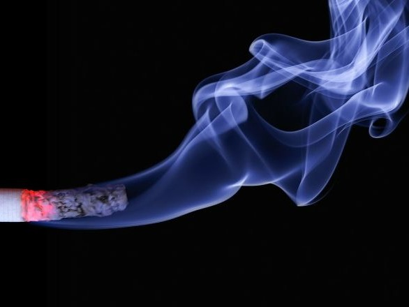 Les non-fumeurs obtiennent une semaine de vacances supplémentaires dans cette entreprise