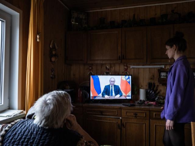 Coronavirus : Poutine prolonge d'un mois la semaine chômée de ses concitoyens