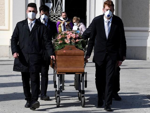 Thanatopracteur, je ne partage pas la volonté de mes collègues d'arrêter les soins funéraires - BLOG