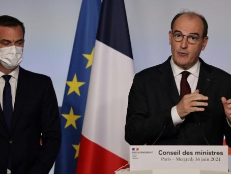 France: plus de masque en extérieur dès jeudi, levée du couvre feu dimanche