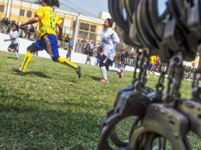 Le Pérou, champion du Mondial de football... des prisonniers