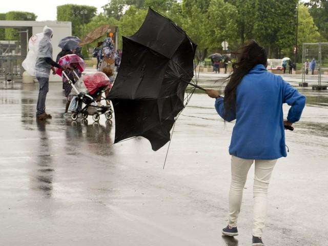 Météo France place 4 départements en alerte orange pluie, inondations et orages