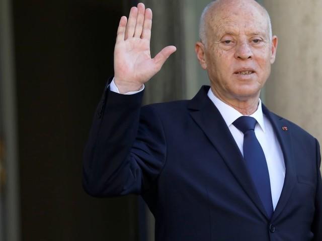 En Tunisie, le président annonce la poursuite du gel du Parlement et renforce ses pouvoirs