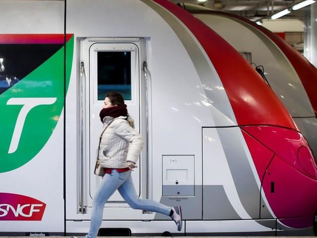 """Le trafic SNCF """"quasi normal"""" ce week-end, 7 lignes du métro parisien ouvertes samedi"""