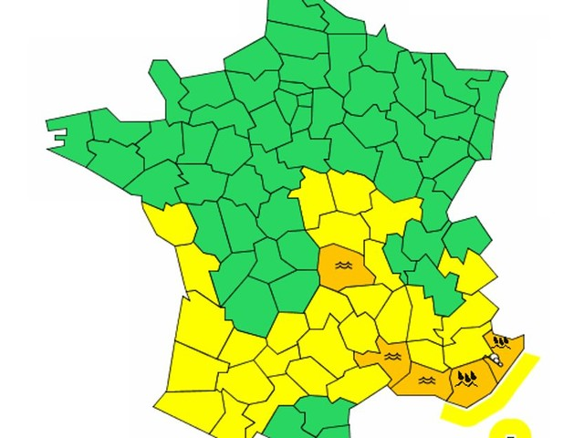 Dans le Var et les Alpes-Maritimes, l'alerte rouge pluie-inondation levée