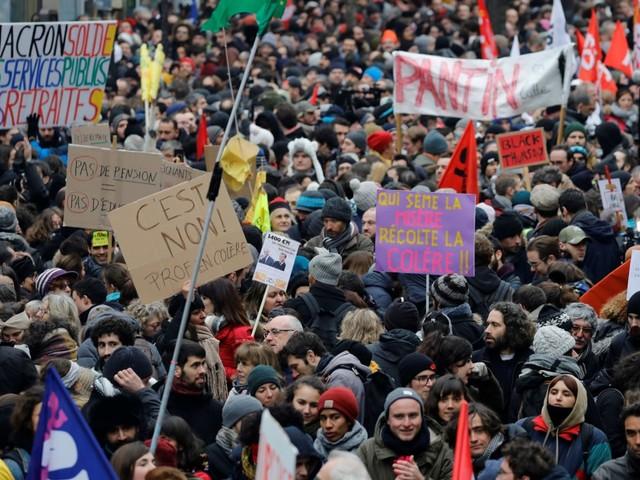 A la manif parisienne contre la réforme des retraites, une présence massive... d'enseignants