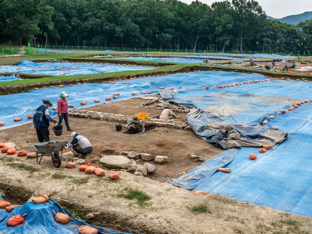 Les restes d'une victime de sacrifice humain découverts dans les fondations d'un palais coréen