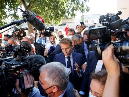 Macron fait la rentrée à Marseille et dévoile son plan d'urgence