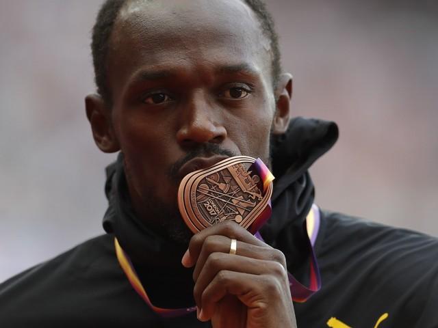 Usain Bolt prend sa retraite après avoir fini 3ème aux championnats de Londres (VIDÉO)