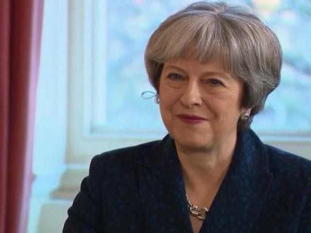 """Prêt de la tapisserie de Bayeux au Royaume-Uni: Theresa May loue """"un geste extraordinaire"""" de la France"""