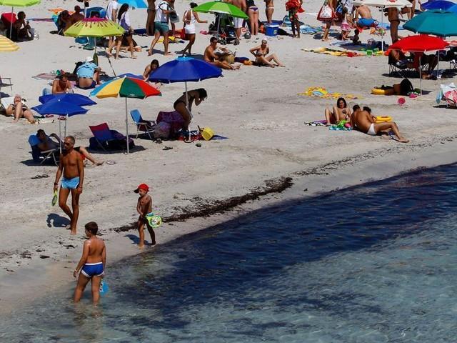 Deux Français arrêtés avec 40 kilos de sable en Sardaigne