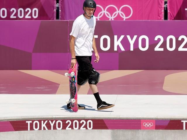 Tony Hawk n'a pas pu résister à tester le skatepark des JO de Tokyo