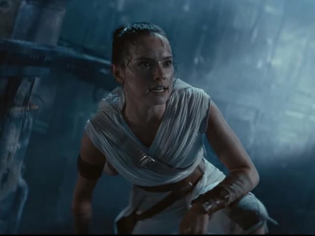 Star Wars IX : Des premières images du combat entre Palpatine, Rey et Kylo Ren ont fuité !