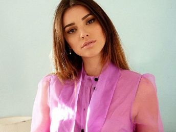 Kleofina Pnishi (Pekin Express), ex-candidate de Miss France, va sortir son premier album