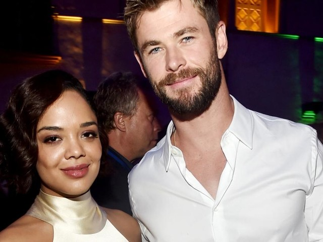 Men in Black, le spin-off : Chris Hemsworth partage une photo du tournage avec Tessa Thompson