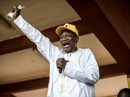 Guinée: Alpha Condé définitivement proclamé président pour un 3e mandat controversé