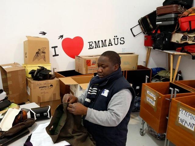 À cause du confinement, Emmaüs contraint d'appeler aux dons pour la première fois