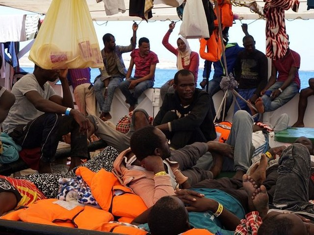 Migrants : l'Espagne propose au navire de l'ONG Open Arms d'accoster dans l'un de ses ports