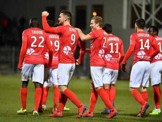 Foot - L1 - Ligue 1 : Nîmes domine Angers (3-1) en match en retard de la 20e journée