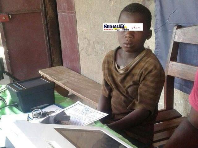 Banakoro (Images) : Les enfants âgés de moins de 10 ans dominent l'inscription sur la liste électorale