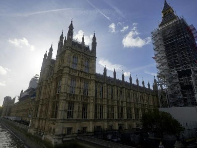 Le parlement de Westminster court un risque grave d'incendie, selon un huissier