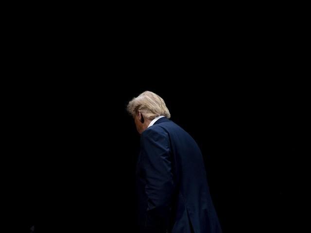 """EN DIRECT - Procédure de destitution : le rapport d'enquête sur les """"méfaits"""" de Trump attendu en décembre"""