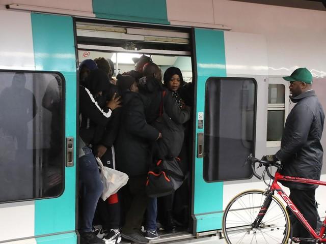"""EN DIRECT - Réforme des retraites : la grève à la RATP reconduite """"au moins jusqu'à mercredi"""""""