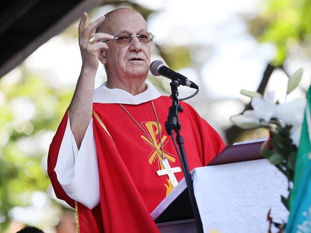 Mgr Gilbert Aubry hospitalisé : le conseil régional du culte musulman de La Réunion lui adresse ses prières