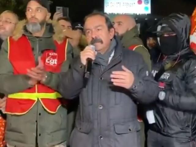 """Martinez critique Borne """"partie au Maroc au lieu de s'occuper de nos revendications"""""""