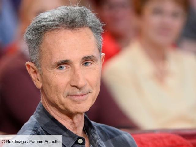 """Vidéo - """"C à Vous"""" : Thierry Lhermitte lâche des flatulences en plein direct et déclenche l'hilarité du plateau"""