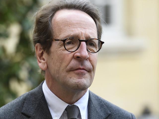 Note secrète : Gilles Le Gendre se pose en victime et sauve sa tête... pour l'instant