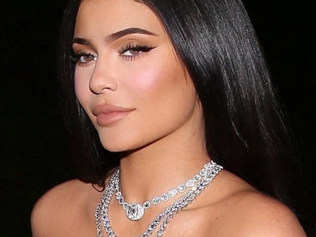Kylie Jenner : elle dépense une vraie fortune pour faire un cadeau incroyable à sa fille !