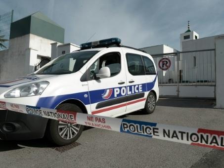 """Mosquée de Bayonne: """"acte isolé"""" mais nourri de """"débats hystériques"""", disent les responsables musulmans"""