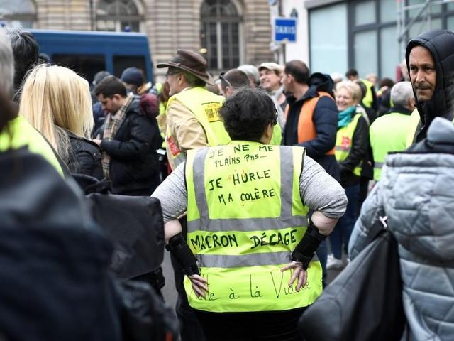 Après le grand débat, les Gilets jaunes français entendent maintenir la pression pour l'acte 22 ce samedi