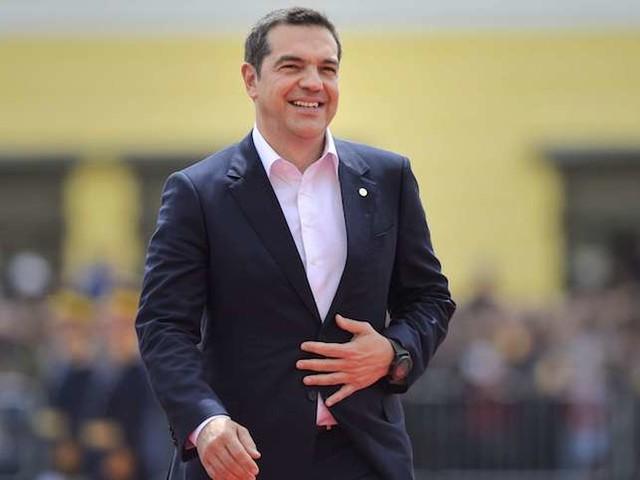 """Summum de la desillusion : Alexis Tsipras s'affiche à la une du Financial Times pour promettre """"plus de réformes"""" néolibérales"""