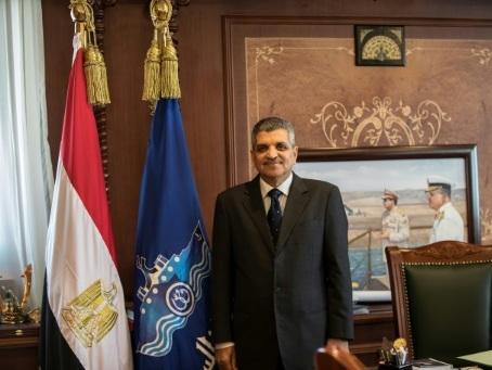 """Le canal de Suez """"essentiel"""" pour l'Egypte (président de l'Autorité)"""