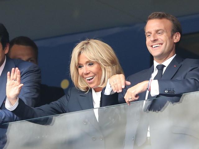 VIDEO. Coupe du monde 2018 : le joli geste de l'émir du Qatar à Brigitte Macron