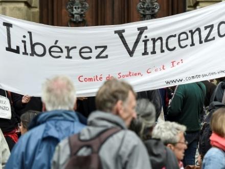 La justice française remet en liberté Vincenzo Vecchi, réclamé par les autorités italiennes