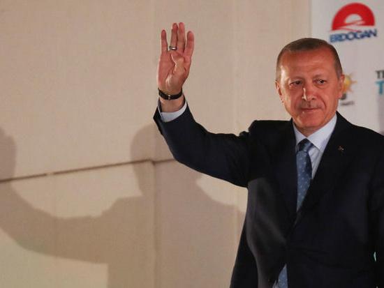 Turquie: plus de 18.000 fonctionnaires limogés