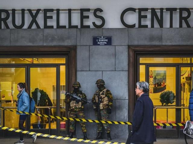 «Intervention policière en cours à la gare Centrale»: l'annonce qui a inquiété les passagers en attente à la gare du Nord de Bruxelles